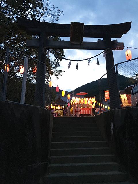 女子寮近くの神社